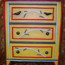 willow_furniture_small_dresser_bLFgQfykhWM.jpg